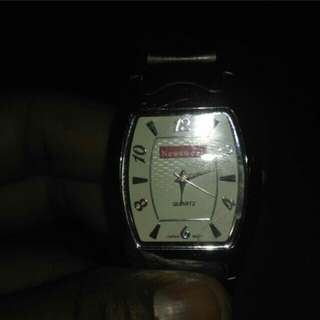 Jam tangan newswek