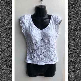 Pilgrim white lace crop top size 10