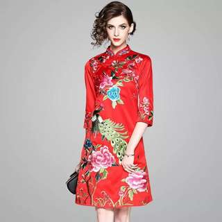 Heavily embroidered modern cheongsam vintage Qipao red dress traditional Chinese costume