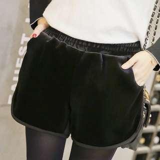 韓版金絲絨短褲