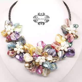 Multicolor Natural Baroque Pearl Mother of Pearl Shell Five Flowers Multicolor Genuine Baroque Pearl Mother of Pearl Shell Five Flowers 18'' Necklace  巴洛克不規則真淡水珍珠七彩貝母花卉項鍊 Rose Roses 花朵 花 Cute Colorful Colourful 彩虹 頸鏈 頸鍊 項鏈 玫瑰 Blossom Flower