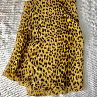 Shawl leopard