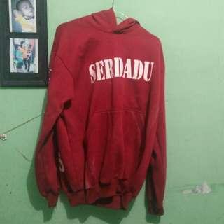 jaket hoddie merah