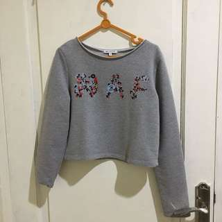 Sweater abu-abu croptop