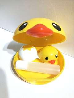 KAWAII DUCKY CONTACT LENS HOLDER WITH CONTACT LENS CASE + SMALL BOTTLE TO PUT YOUR CONTACT LENS SOLUTION!! USED ONLY 1 TIME!! DO NOTE THAT THERE USED TO BE A MIRROR BUT BROKE OFF, REALLY NOT FOR FUSSY BUYER! CUTE CASE!! INCLUDES FREE NM POSTAGE!! ONLY 1!!