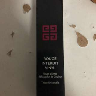 Givenchy Rouge Interdit Vinyl 16
