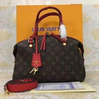 LV New Edition Authentic 50% OFF
