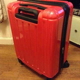 outdoor 粉紅色行李箱