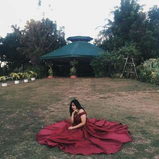Debut, prom and grad ball gown for rent