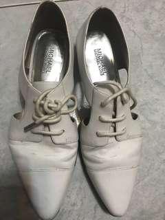 Michael kors 白皮鞋 七成半新 39號