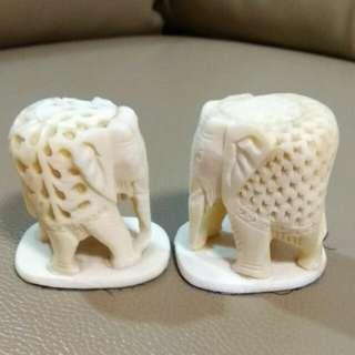 印度牛骨雕刻大象一對