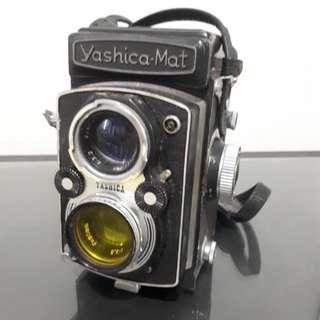Yashica Mat Vintage Camera
