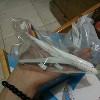 Diecast airplane