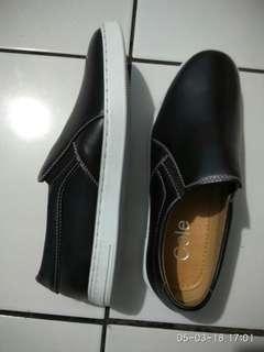 Sepatu Casual Cole brand matahari