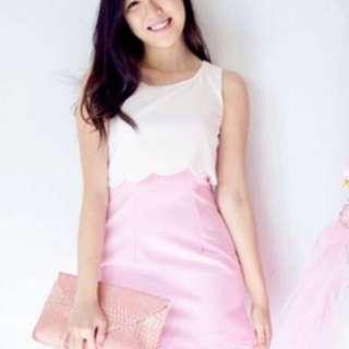 【Closetmino】Scallop Hem Dress in White and Pink