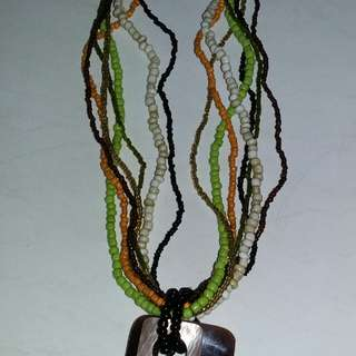 Kalung manik2 dari Bali