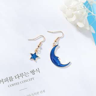 🚚 ★流行飾品★時尚星球耳環  款式:(5#藍色星星月亮耳鈎款)