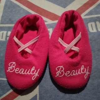 Sepatu baby 0-6 bln