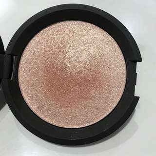 AUTHENTIC BECCA CHAMPAGNE POP