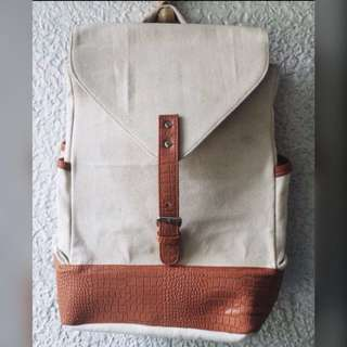 CREAM COLOR BACKPACK