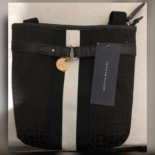 TOMMY HILFIGER SLING BAG