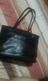 Im Leather black handbag