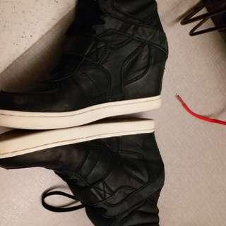 Ash 白色內增高鞋