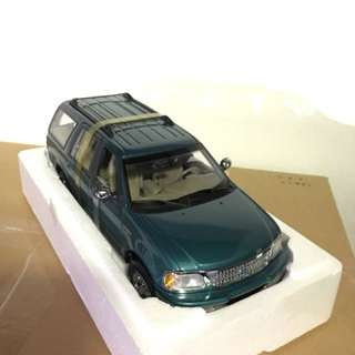 1/18 Ford Expedition XLT. UT.