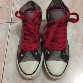 Authentic Converse Chick Taylor Shoes