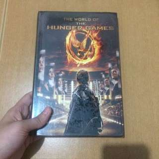 The World of Hunger Games (an illustrated guide of the film, hardbound)