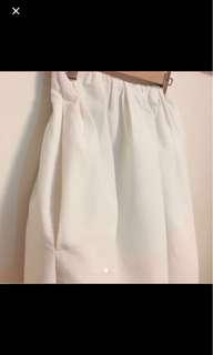 Initial 女裝白色半截傘裙