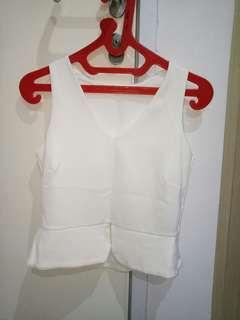 Baju atasan putih polos
