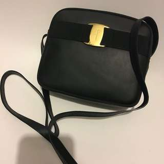 📢🈹✨🔥超靚罕有Salvatore Ferragamo bag wallet Leather Bucklet backpack 背包 背囊