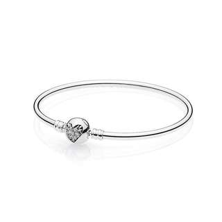 AUTHENTIC Pandora Heart of Winter 2017 Bangle