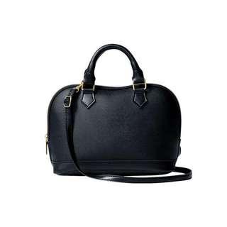 Black handbag/sling