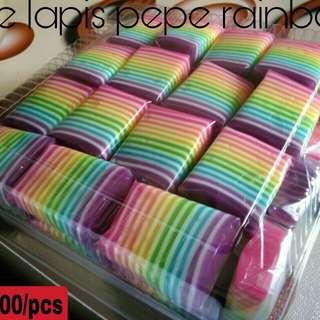 Kue pepe lapis rainbow