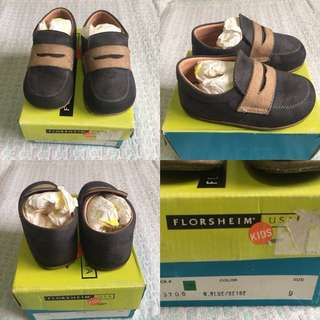 Florsheim Baby Boy shoes (size 9)