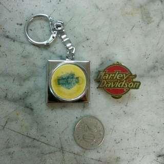 Harley Davidson Reflector Keychain & Pin Badge Vintage