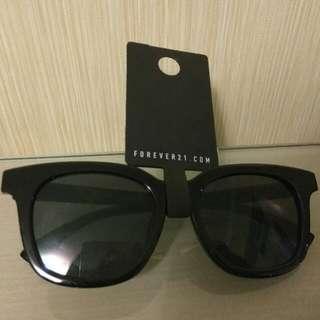Sunglasses/Squar Black