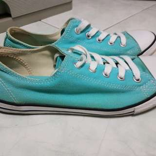 Limited edition turquoise women's chucks (low cut)