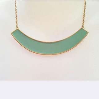 FREE!! brand new green minimalist necklace