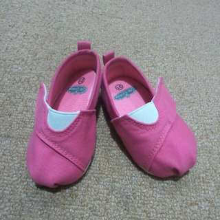 Baby girl crib shoes (crib couture)