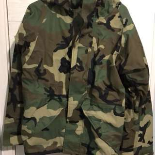 Official Military Parka - Camouflage color 90% new