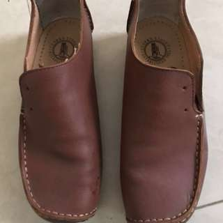Authentic Clarks Lugger