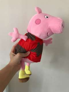 Peppa Pig - Peppa in muddy puddles 掛牆公仔