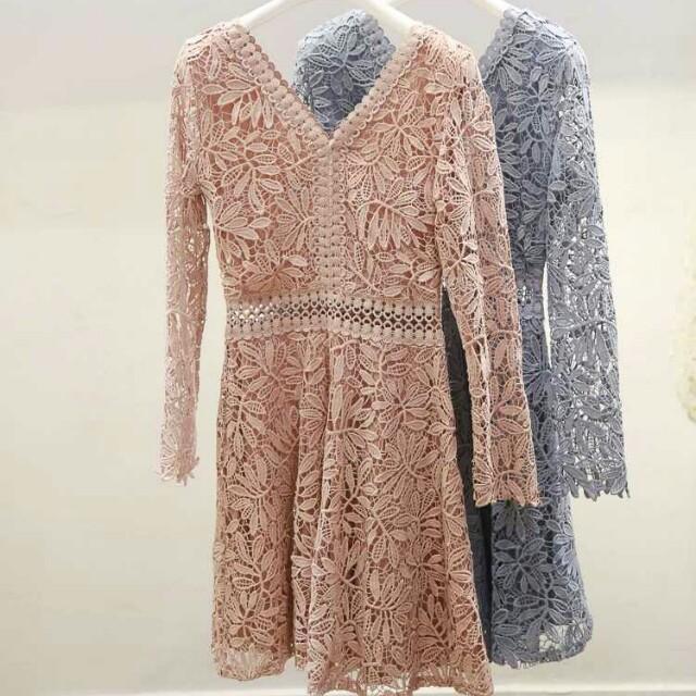 復古蕾絲摟空連衣裙