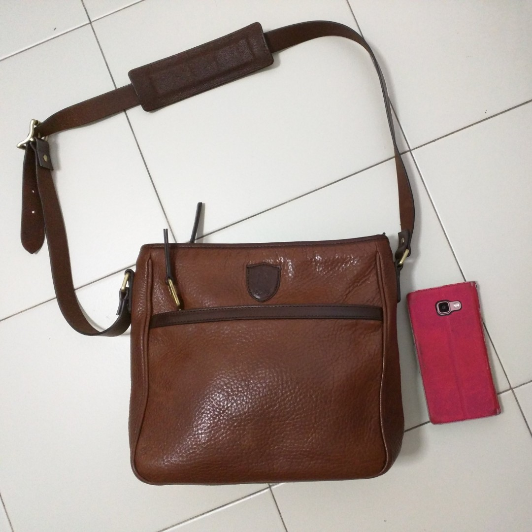 0f9a7db21b2 Authentic massimo dutti sling bag, Men's Fashion, Bags & Wallets on ...