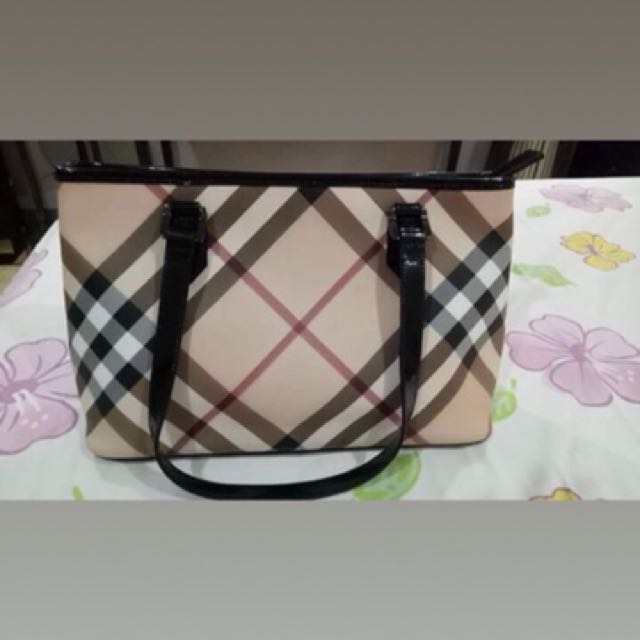 Authentic S Burberry Nickie Tote Bag