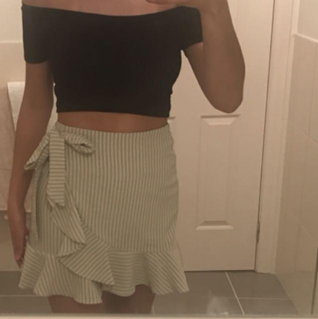 Ava size 8 skirt