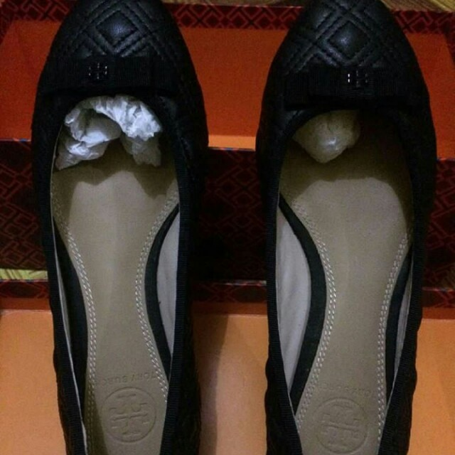 Bnew and Authentic Tory Burch Marion Quilted Flats